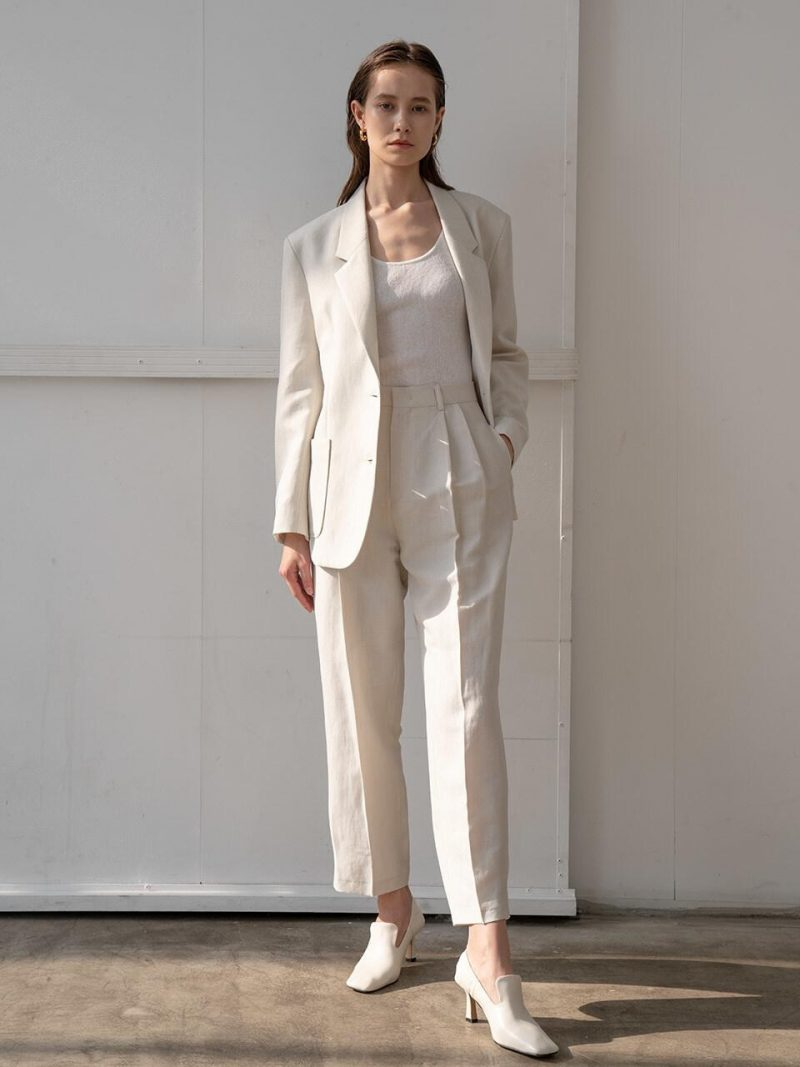 Basic Two Tuck Trousers In Ivory