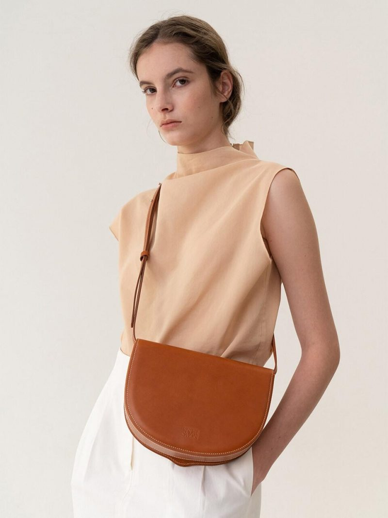 Essential Tray Shoulder Bag Tan