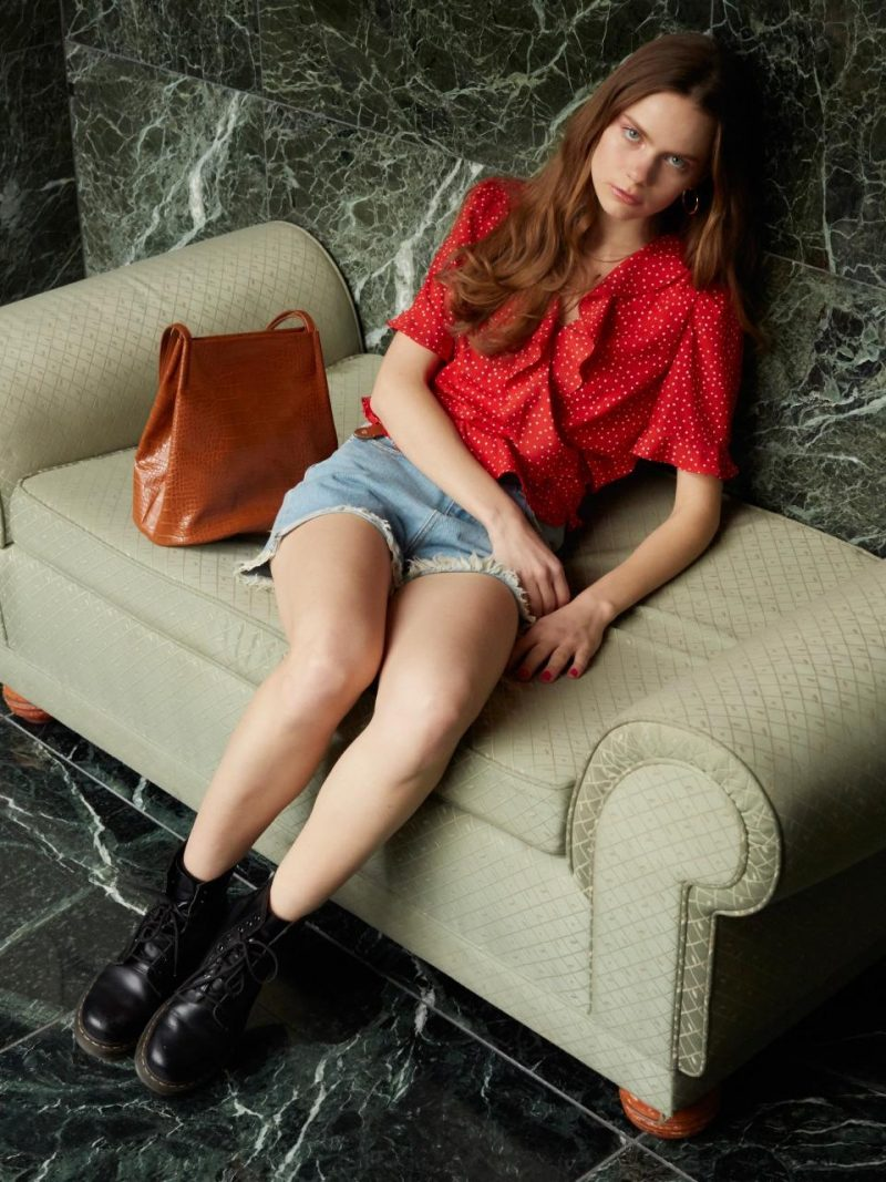 Frill Short Sleeve Blouse In Red_VW9SB0130