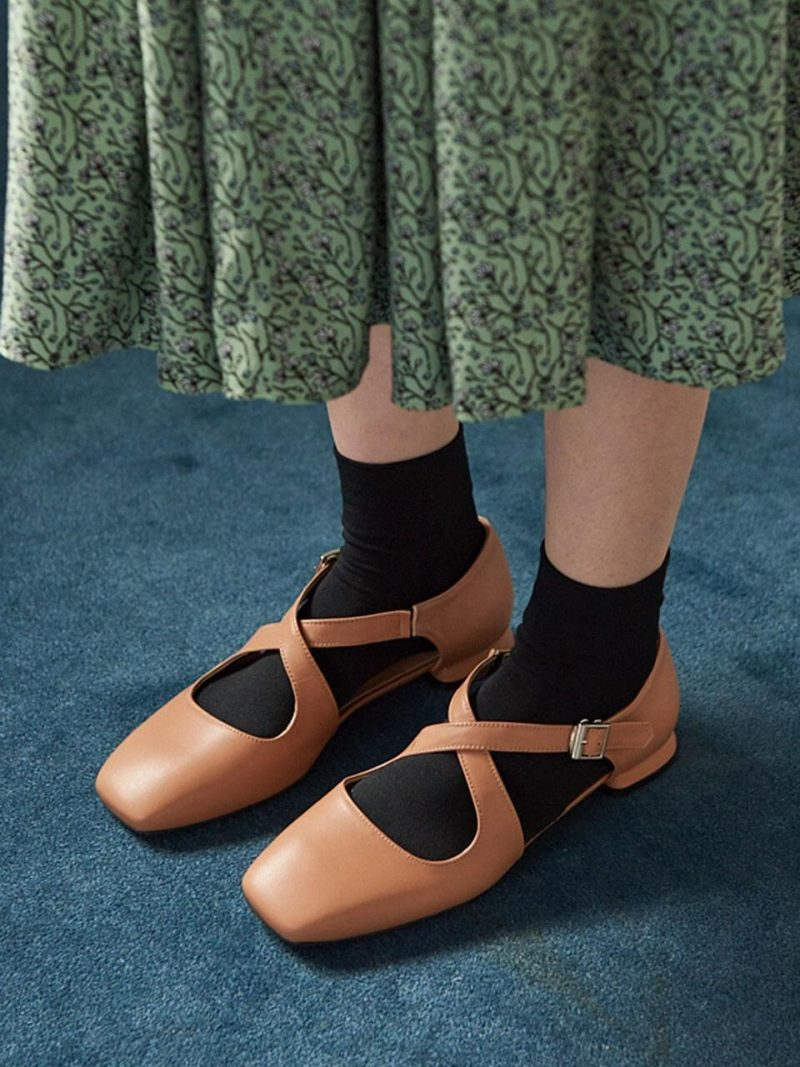 N20-S177_X-Strap Flat Shoes_Taupe