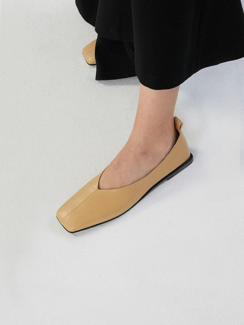 Simple Flat Loafer [C9F01TN]