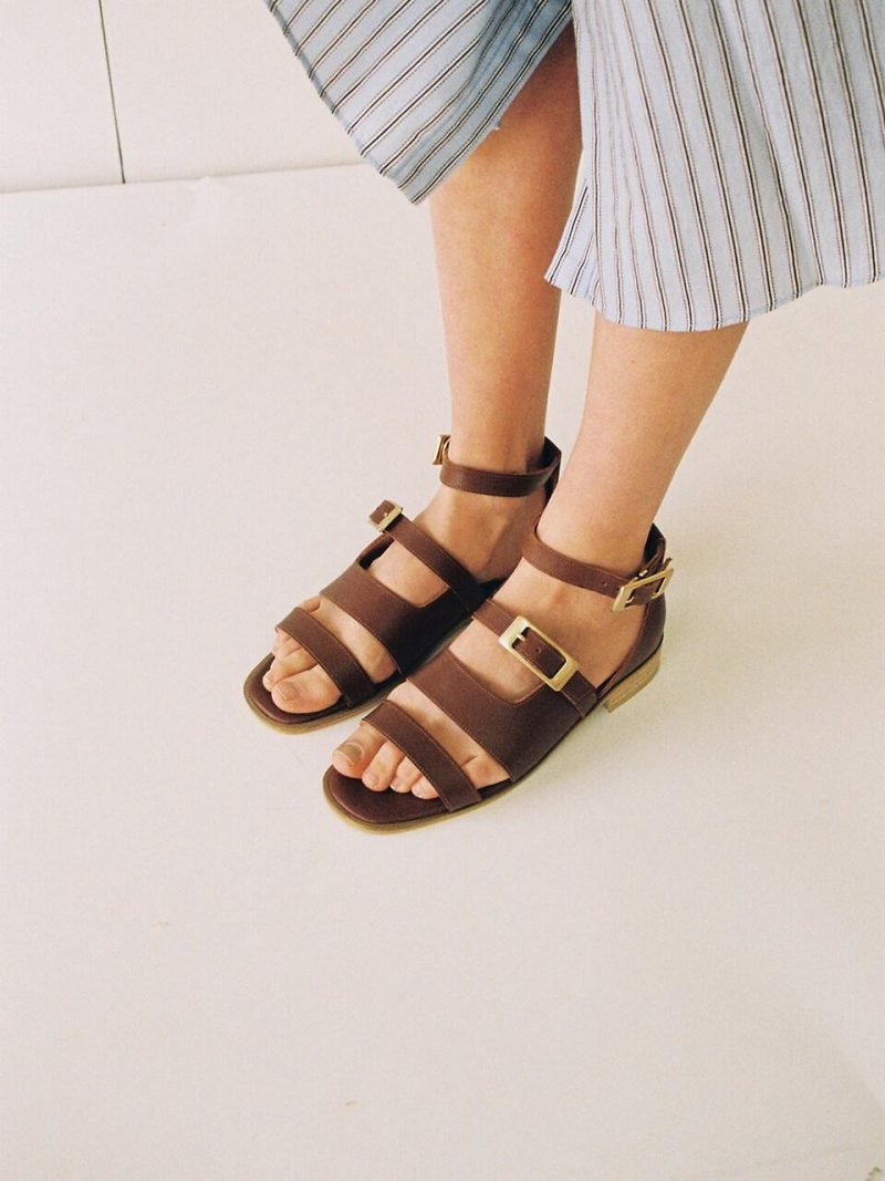 T034 Buckle Sandals Brown