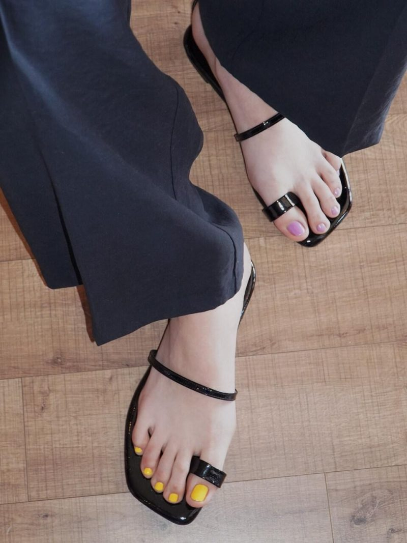 Y01 Jane Candy Back T Sandals YY20S-S48 Black