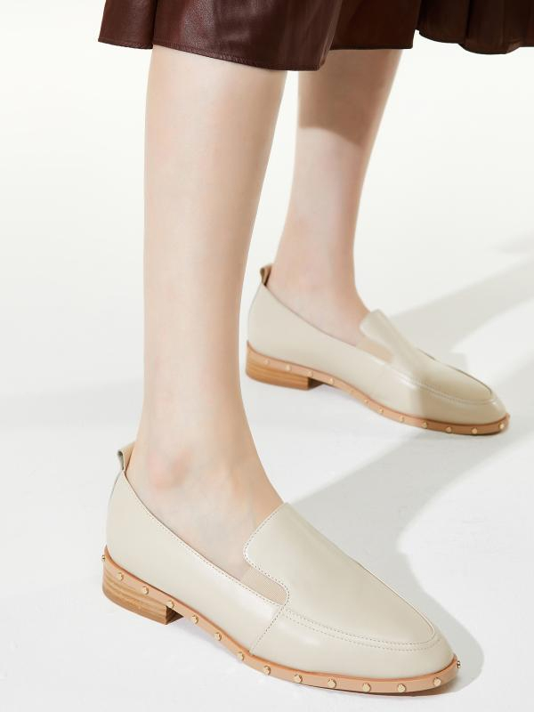 Ov Cream Stud Cow Leather Casual Loafers