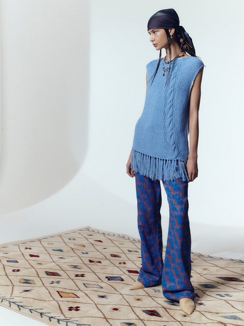 Hand-Knitted Sleeveless Knit Pullover_Blue